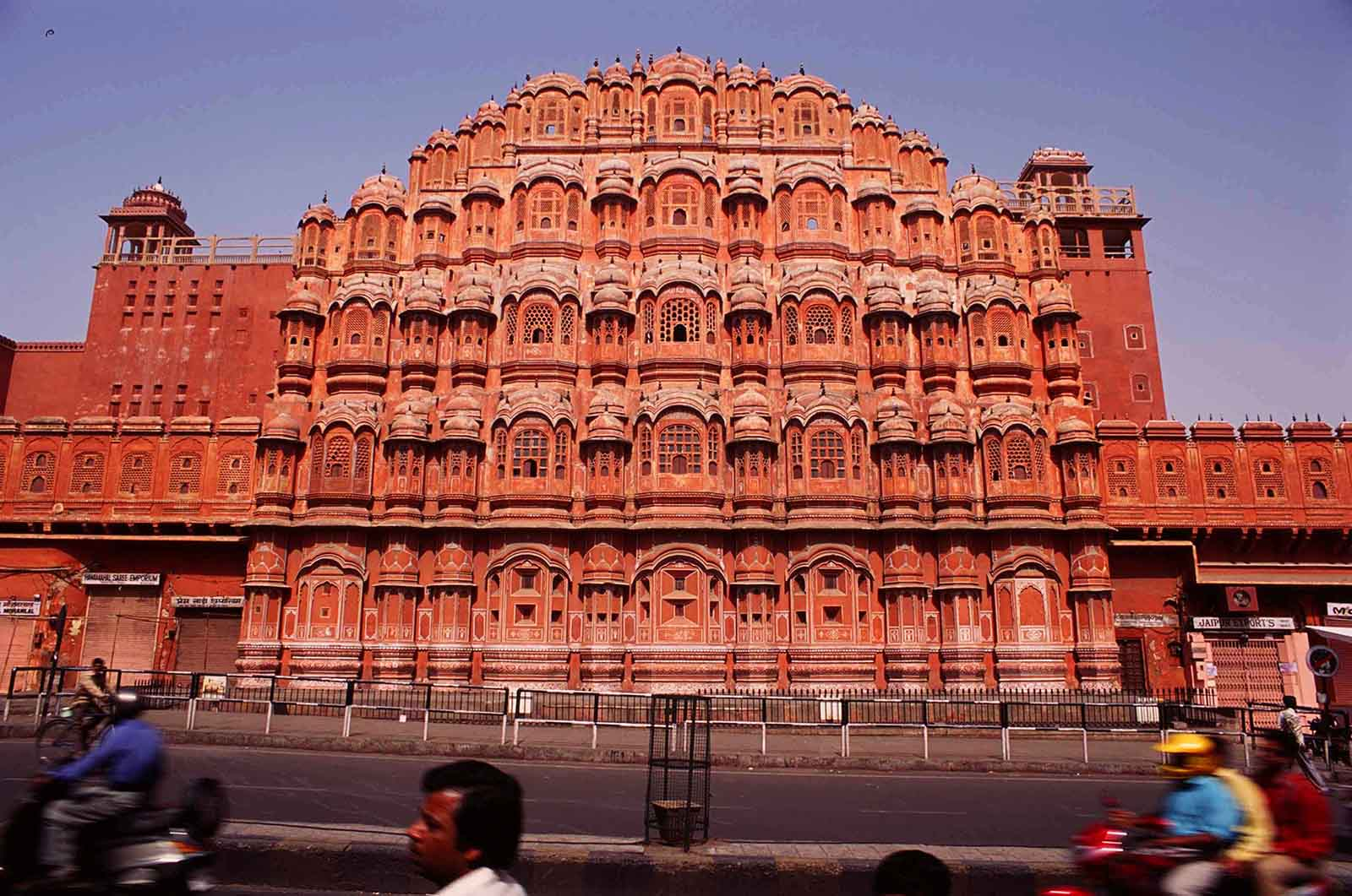 1. Jaipur Sightseeing Day Tour in a Private Car