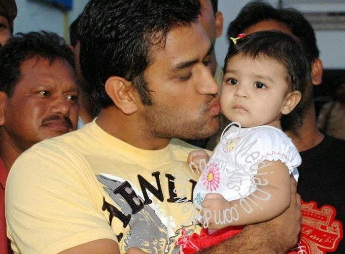Check this out ! MS Dhoni's Daughter Ziva Learning About the IPL is Heart Winning!