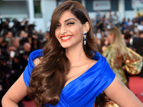 Check Out Sonam Kapoor's Travel Style - It's Super Cool And Sexy!